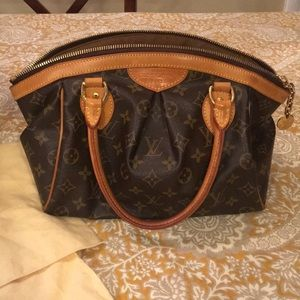 2e0159e13eee Women s Eluxury Handbags on Poshmark